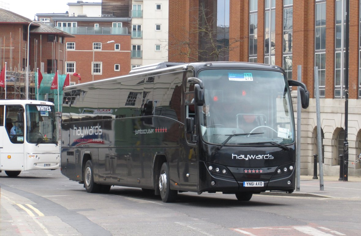 YN61 AXD on 30 March 2013